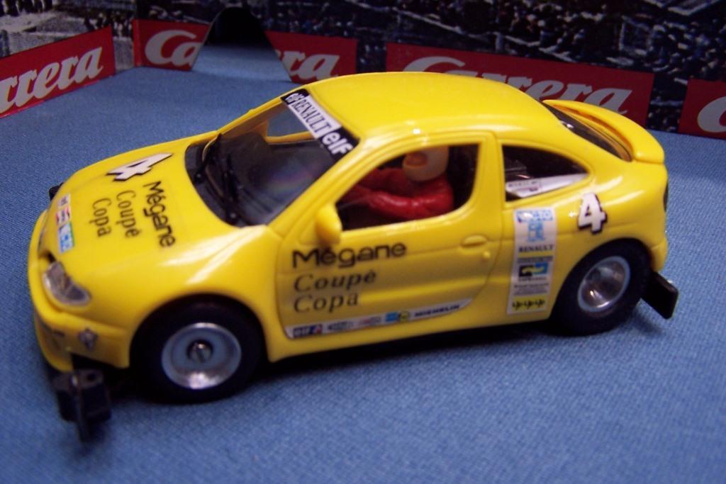 Renault_Megane_gelb